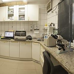 laboratorio-clinico-thumb-001